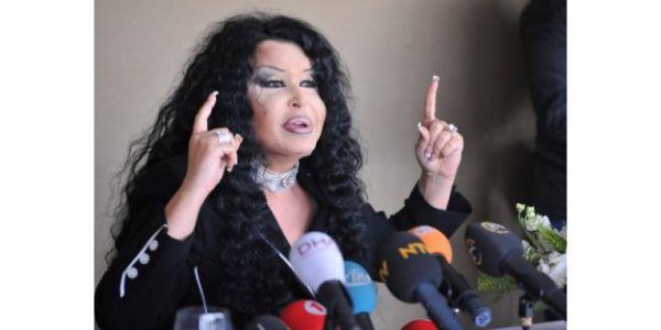 """Bülent Ersoy: """"Kenan Evren'e hakkımı helal etmiyorum"""""""