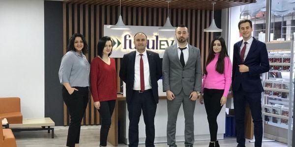 """FuzulOto, """"Araba Sevdası""""nı Kadir Çöpdemir'le gerçeğe dönüştürüyor"""