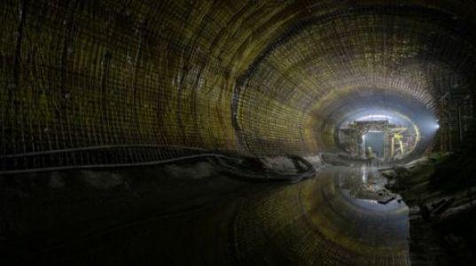 Narlıdere Metrosu'nda Işık Göründü