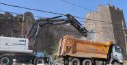 Diyarbakır Surları Kaçak Yapılardan...
