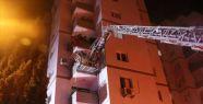 İzmir'de Çıkan Yangında 11 Katlı Bina...