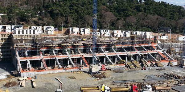 Vodafone Arena Stadı inşaatı, planlamalardan daha ileri bir seviyede ve hızlı bir şekilde devam etmektedir.