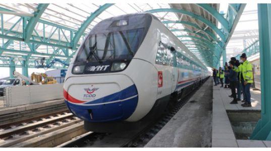 Yüksek Hızlı Tren İlk Kez Sivas Tren Garında