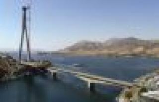 Kömürhan Köprüsü'nün Son Kaynağını Bakan...