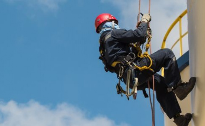 Yüksekte Çalışırken Meydana Gelebilecek İş Kazaları İçin Bu 6 Adıma Dikkat!
